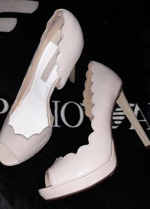 Туфли туфельки босоножки с открытым носком фирма dorothy perkins