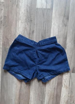 Джинсовые шорты для девочки.