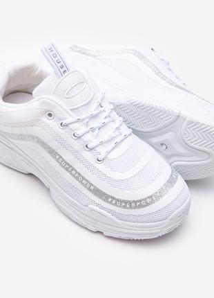 Кроссовки белые на платформе