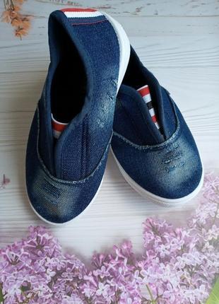 Слипоны - джинс ! очень классные ! размеры : 31,32,33,34,35,36 ! замеры по стельке даю !