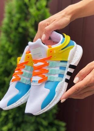 Нереальные женские кроссовки adidas equipment белые с цветными вставками