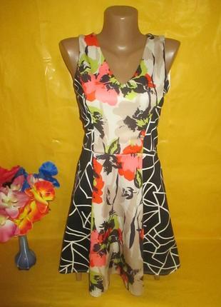 Очень красивое женское платье с красивой спиной miss selfridge  грудь 35-41 см