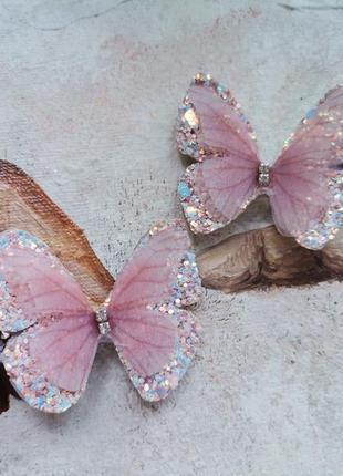 Нежные пудровые бабочки на заколках