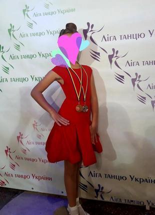 Рейтинговое платье ювеналы