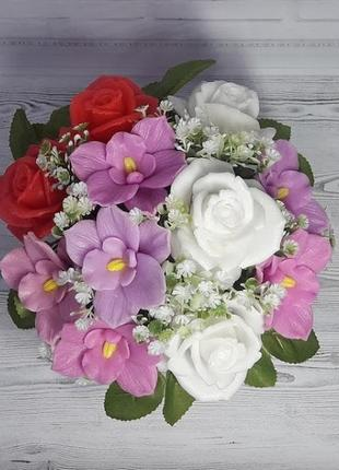 """Букет цветов из мыла """"розы и орхидеи"""""""