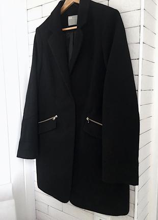 Чёрный удлинённый пиджак