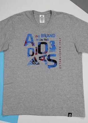Оригинальная футболка с принтом от adidas