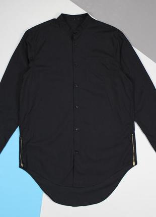 Стильная удлиненная рубашка без воротника и с молниями по бокам