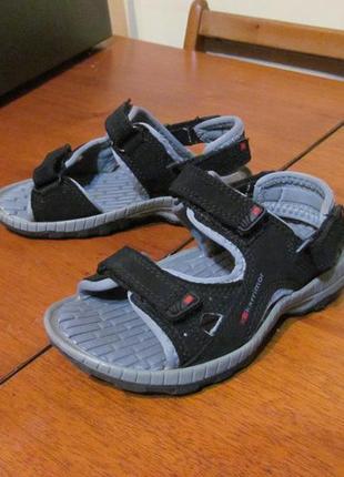 Босоножки, сандалии karrimor