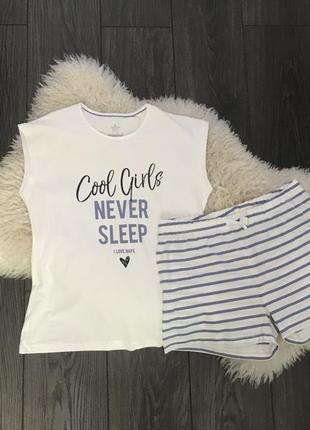 Домашний костюм / пижама