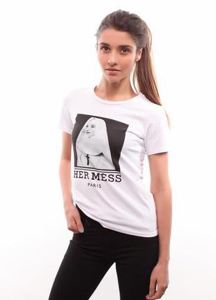 Белая футболка her mess c одри хепберн