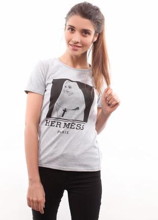 Серая футболка her mess c одри хепберн