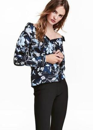 Блуза рубашка с открытыми плечами в цветочный принт zara mango h&m
