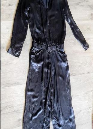 Шикарный чёрный атласный брючный комбинезон 100% вискоза