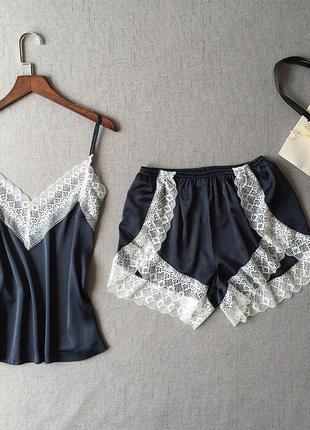 Атласная красивая пижама, майка/шорты м, л