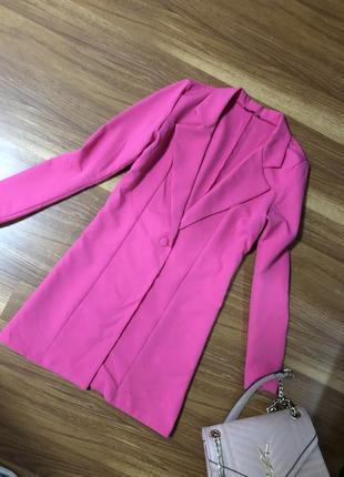 Шикарный яркий удлинённый розовый 🦩 пиджак под zara