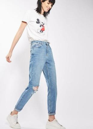 Джинсы высокая посадка мом mom джинс рваное колено topshop новая коллекция