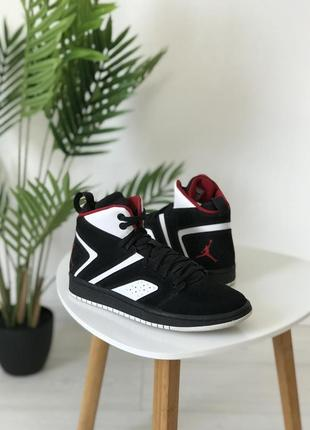 Кроссовки nike jordan flight legend