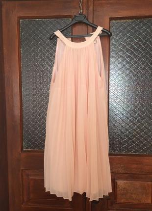 Лёгкое шифоновое платье плиссе пудрового цвета