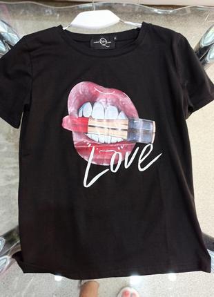 Sale футболка с губами