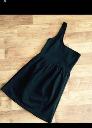 Маленькое чёрное платье на одно плечо♥️
