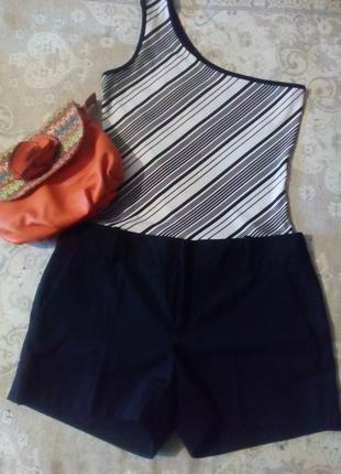 Короткие шорты с карманами zara