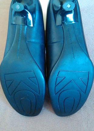 Туфли черные кожаные на низком каблуке4 фото