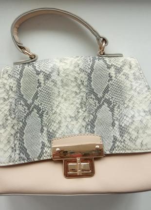 Нежная с принтом трендовая сумума сумочка new look кросс боди h&m