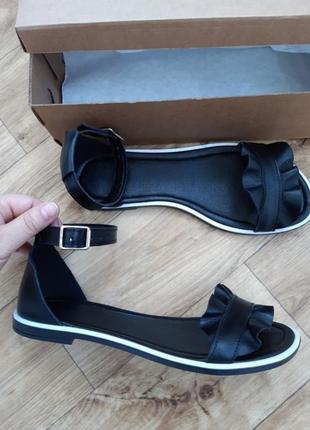 Новые кожаные женские босоножки сандали шлёпанцы