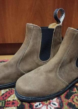 Неубиваемые мужские ботинки челси нубук overrider