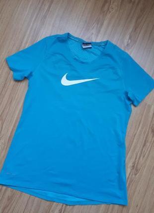 Спортивна футболка3 фото