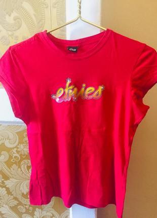 Красна футболка etnies