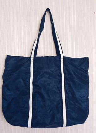 Вместительная сумка oriflame