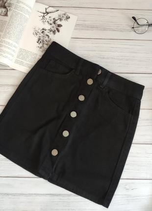 Черная юбка на пуговицах джинсовая2 фото