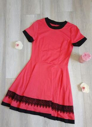 Летнее платье с расклешенной юбкой