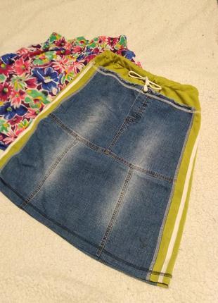 Джинсовая юбочка с трикотажными лампасами