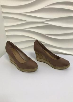 Танкетка туфли