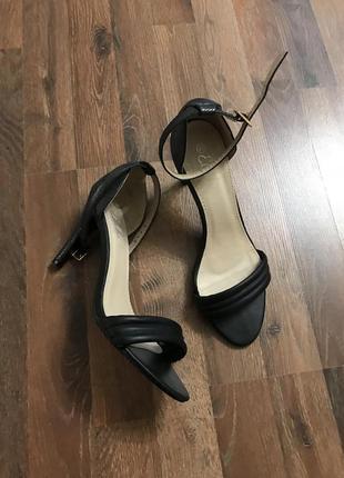 Стильные черные босоножки ella lux