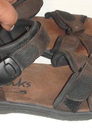 Clarks - шкіряні босоніжки, сандалі