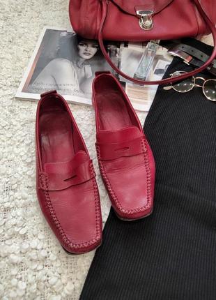Кожаные туфли лоферы.