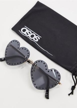 Asos. товар из англии. солнцезащитные очки в форме сердечек со стразами