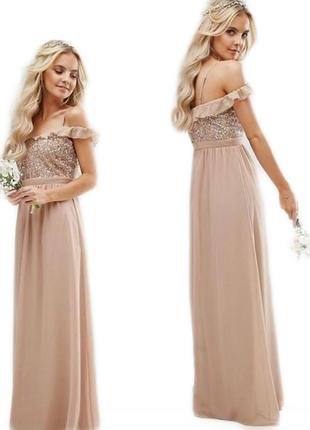 Шикарное платье в пол с воланами на плечах