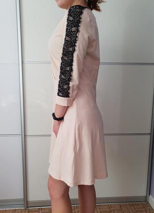 Шифоновое платье с гипюром