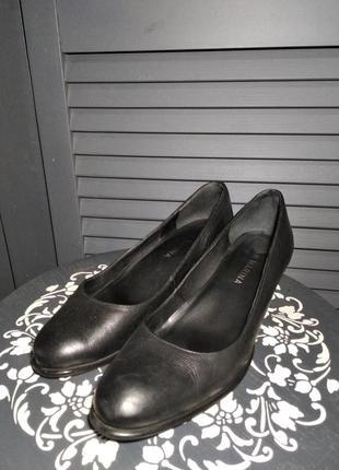 В наличии туфли из натуральной кожи san marina