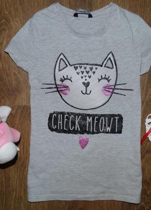 Милейшая футболочка с кошечкой