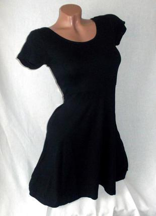 Черное короткое платье клеш с коротким рукавом atmosphere