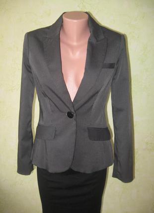 Пиджак брендовый в мелкую полоску