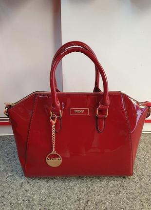 Мега стильная лаковая женская сумка глубокого приглушённого красного цвета