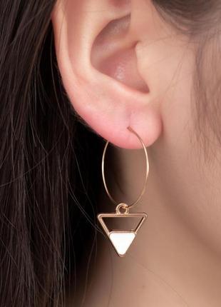 Серьги кольца с треугольниками  / большая распродажа!