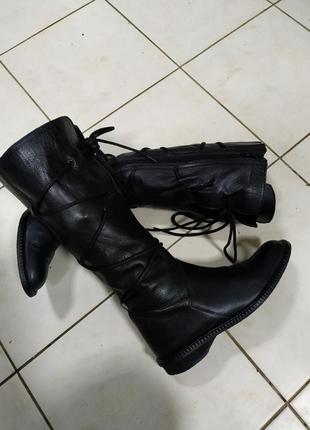 Сапоги женские кожаные.